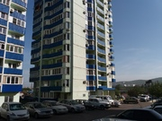 Купить двухкомнатную квартиру с ремонтом в Новороссийске - Фото 1