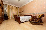 Продам 5-к. квартиру 129,6 кв.м с огромной кухней, 11-я линия В.О, 52