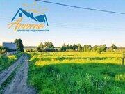 Земельный участок на краю деревни Александровка с видом на церковь