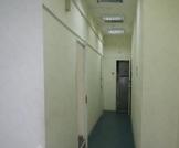 Помещение в торгово-офисном центре. 74,1 кв.м. Первый этаж, отд. вход - Фото 4