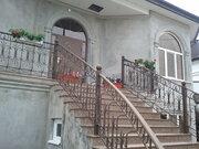 Дом с часовней во дворе - Фото 1