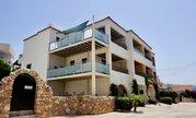 Впечатляющий 4-спальный смежный дом с видом на море в регионе Пафоса