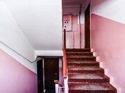 Продажа однокомнатной квартиры на улице Карбышева, 14 в Петропавловске, Купить квартиру в Петропавловске-Камчатском по недорогой цене, ID объекта - 319818657 - Фото 2