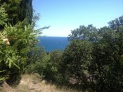Участок на берегу моря в г. Алупка с красивым видом, рядом парк