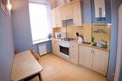 Сдам квартиру посуточно, Квартиры посуточно в Екатеринбурге, ID объекта - 317820042 - Фото 1