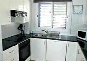 Шикарный трехкомнатный апартамент с панорамным видом на море в Пафосе, Купить квартиру Пафос, Кипр, ID объекта - 327881429 - Фото 12