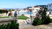 Просторные апартаменты с видом на море и бассейном в Черногории - Фото 3
