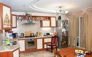 5 500 000 Руб., Трехкомнатная, город Саратов, Купить квартиру в Саратове по недорогой цене, ID объекта - 323033843 - Фото 2