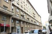Продажа трехкомнатной квартиры в Староконюшенном переулке 19