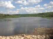 Просторный участок на берегу реки в месте полностью пригодном для пост - Фото 3