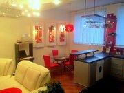 Сдается 3к.кв. на ул. Ошарская д. 16, кухня-гостиная и две спальни.