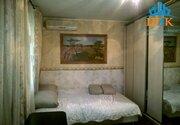Срочно, продается уютная двухкомнатная, меблированная квартира - Фото 1
