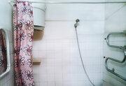2-к квартира ул. 80 Гвардейской Дивизии, 64, Купить квартиру в Барнауле по недорогой цене, ID объекта - 322094897 - Фото 11