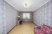 Продам 2-комн. кв. 81 кв.м. Тюмень, Малая Боровская