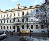 Здание после реконструкции, сделан качественный ремонт, выдержанный в