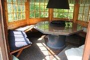 Сказочный домик среди живописного ландшафта и мощенных тропинок - Фото 5