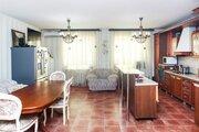 Продам 3-комн. кв. 176 кв.м. Тюмень, Харьковская
