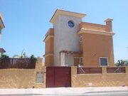 Дом с видом на море и собственным бассейном на участке в Торревьехе - Фото 3