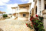 Просторные апартаменты с видом на море и бассейном в Черногории - Фото 1