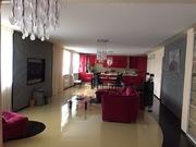 Сдаю трехкомнатную квартиру с Дизайнерским ремонтом в Центре города .