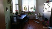 Продается 3-комнатная квартира на 1-м этаже в 3-этажном монолитно-кирп