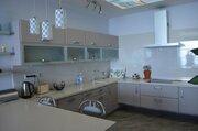 Предлагаем к приобретению просторную квартиру в лучшем районе Ялты